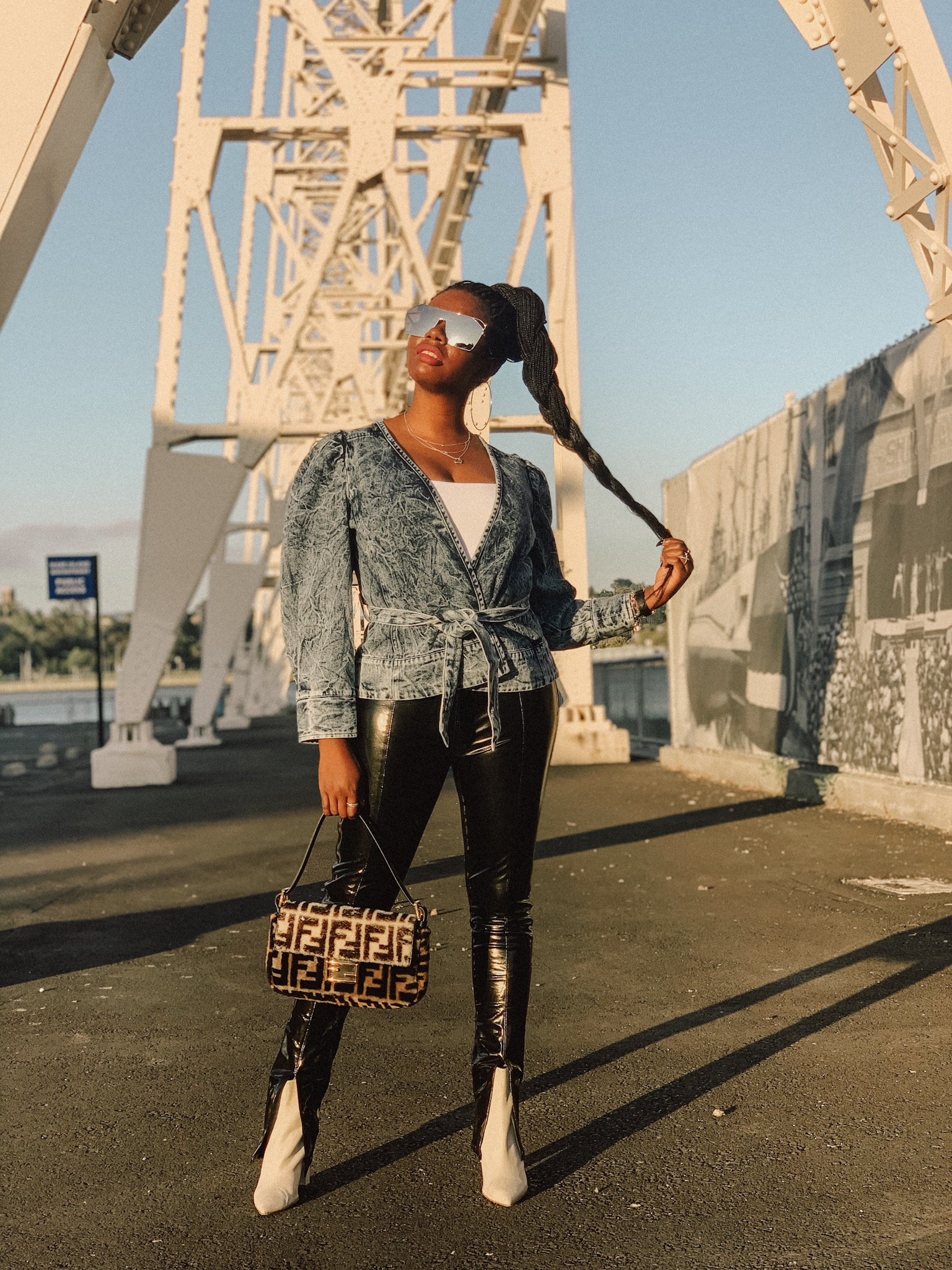 San Francisco Style Blogger Amber Richele Of The Cocoa Butter Diaries Shares How She Incorporated Acid Wash Denim (one Of Fall's Biggest Trends) Into Her Existing Wardrobe